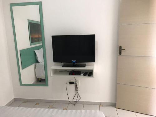 Телевизор и/или развлекательный центр в Hannover Flat Hotel