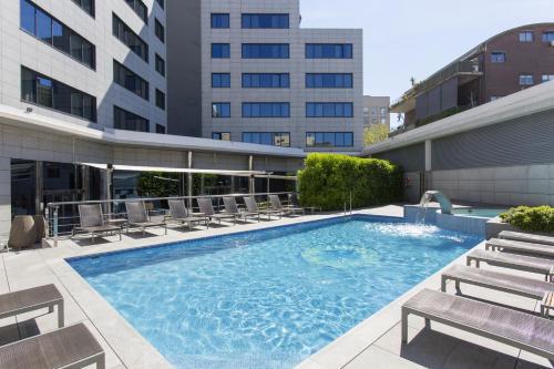 Der Swimmingpool an oder in der Nähe von Hotel SB Icaria Barcelona