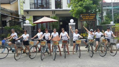 Cycling at or in the surroundings of An Hoi Town Homestay