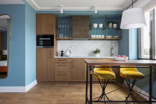 Een keuken of kitchenette bij Hotel TWENTY EIGHT
