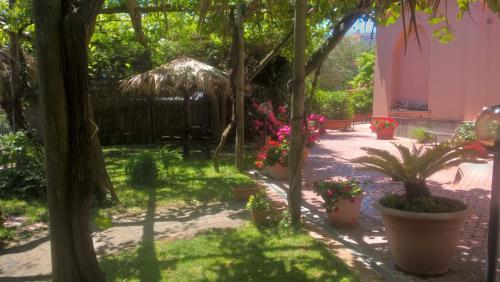 A garden outside Bellaria Relais