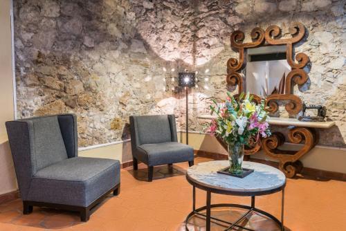A seating area at Hotel Casa Virreyes