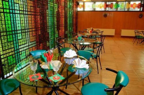 Restorāns vai citas vietas, kur ieturēt maltīti, naktsmītnē Park Hotel Kekava