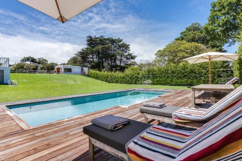 The swimming pool at or near Luxury on Boroondara
