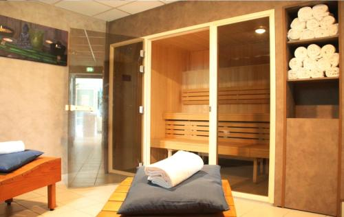 Spa and/or other wellness facilities at Mercure Bayeux Omaha Beach