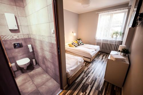 Łazienka w obiekcie Bi-Pi Hostel