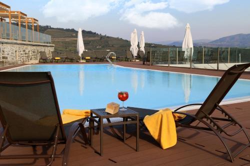 A piscina em ou perto de Douro Scala