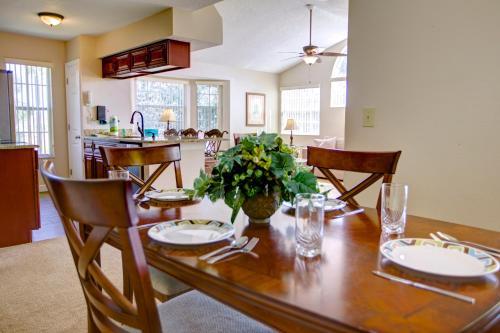 Um restaurante ou outro lugar para comer em Magical Memories Villas-Disney Area