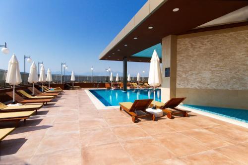 The swimming pool at or near Active Başaran Business Hotel