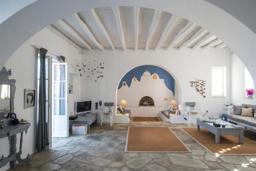 A seating area at Villa Veni