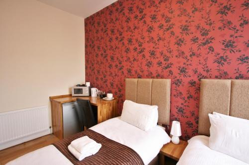 Central Studios Gloucester Place by Roomsbooked