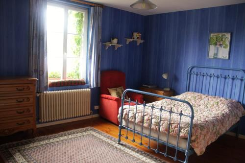 Un ou plusieurs lits dans un hébergement de l'établissement La tourelle