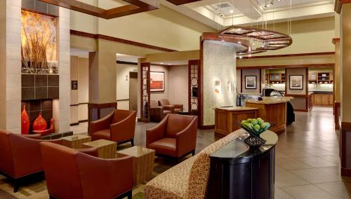 The lounge or bar area at Hyatt Place Princeton