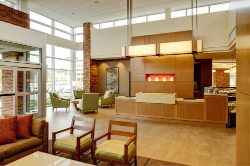 The lobby or reception area at Hyatt Place New York Yonkers