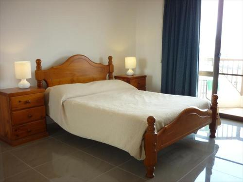 A bed or beds in a room at One Bedroom Apartment Sussex I(SUSEX)