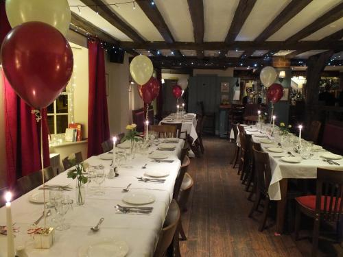 A restaurant or other place to eat at The White Horse Inn