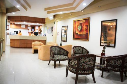 The lobby or reception area at Intiotel Chiclayo