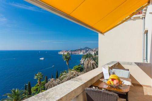 A balcony or terrace at Apartments Villa Victoria