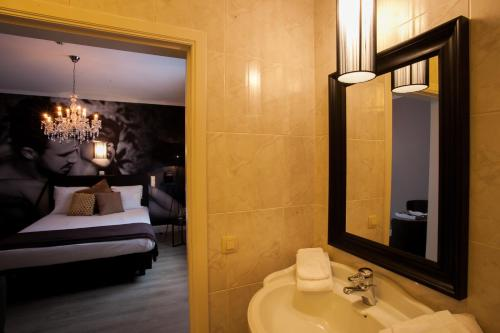 A bathroom at Villa Valentino