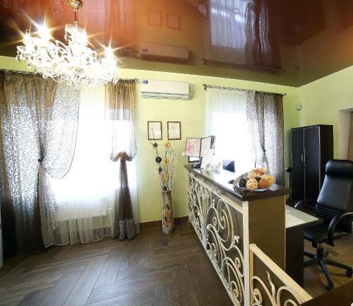 Кухня или мини-кухня в Hotel Sakura