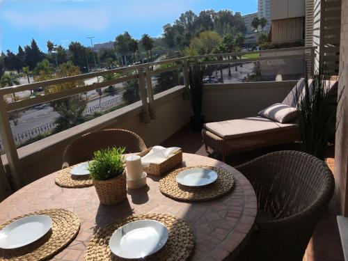 Un balcón o terraza de OLAS APARTMENT Holidays Torremolinos