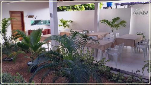 A restaurant or other place to eat at Hotel Icamiabas