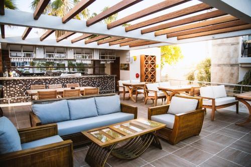 The lounge or bar area at Bodrium Hotel & Spa