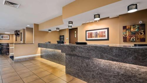 The lobby or reception area at Best Western St. Louis Inn