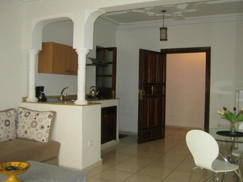 A kitchen or kitchenette at Studio Marrakech