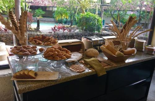 Breakfast options available to guests at Radisson Hotel San Jose - Costa Rica