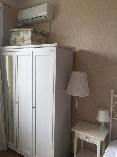 A bathroom at Arbat Novinsky US Embassy Apartment