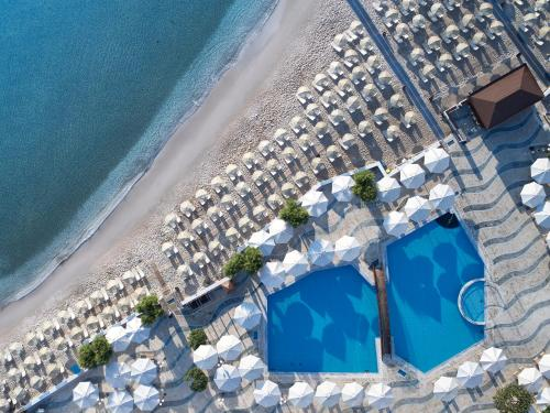 A view of the pool at Creta Maris Beach Resort or nearby