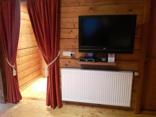 TV/Unterhaltungsangebot in der Unterkunft Ferienwohnung Götz