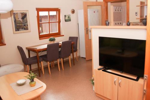 TV a/nebo společenská místnost v ubytování Apartman Sverana