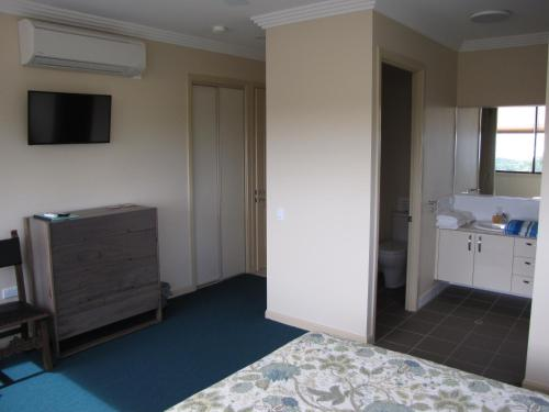 A television and/or entertainment center at Warrawong Lodge