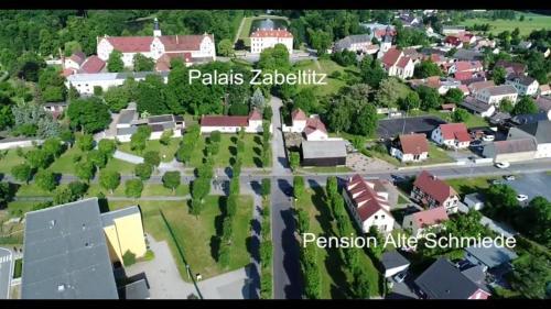Blick auf Pension Alte Schmiede aus der Vogelperspektive