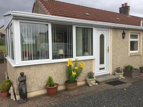 Honeysuckle-Peaceful Scottish Cottage with Hot Tub