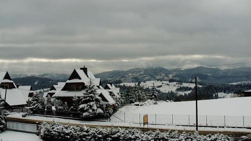Obiekt Pokoje u Tosi i Czesia zimą