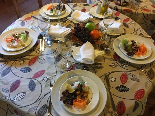 A restaurant or other place to eat at Hacienda Santa Clara