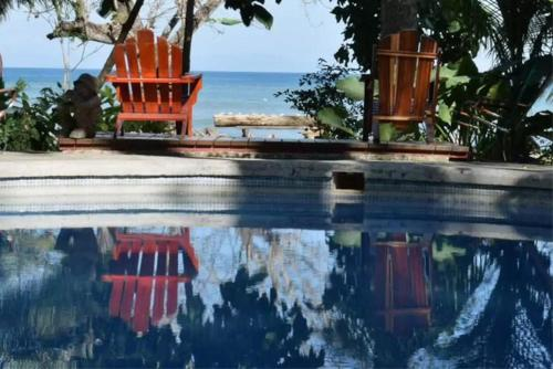 The swimming pool at or near Howler Monkey Hotel
