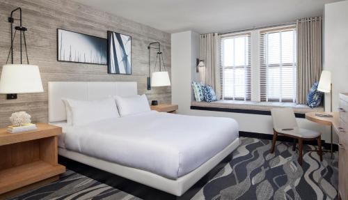 A bed or beds in a room at Hotel Republic San Diego, Autograph Collection