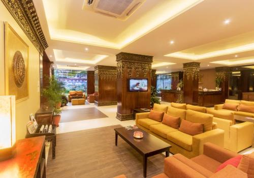 The lobby or reception area at Hotel Tibet International