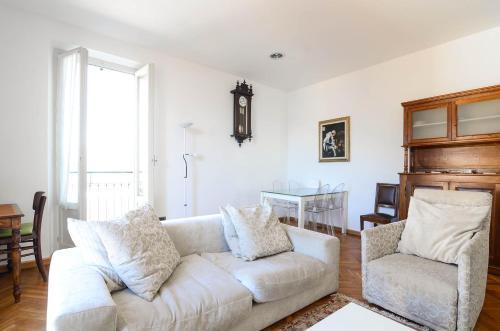 A seating area at Il Sogno Deluxe Bellagio