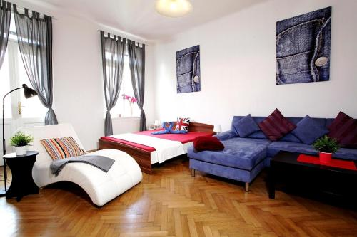 Area soggiorno di Large Wenceslas Square Apartment for 10 guests