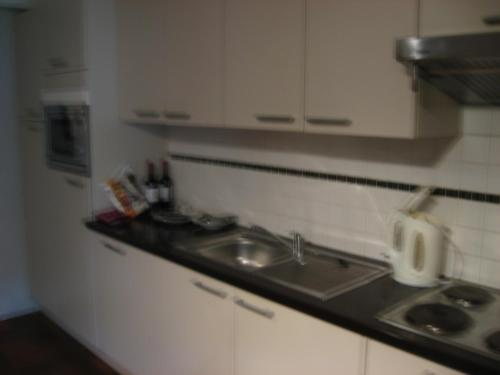 Een keuken of kitchenette bij Acacia 2/7