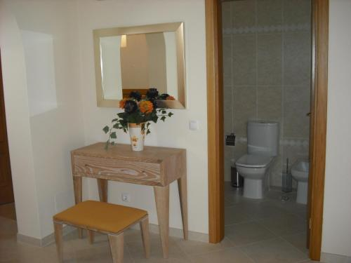 A bathroom at Oasis Parque Country Club