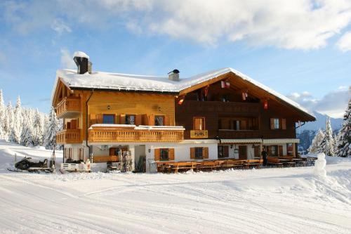 Gasthaus Furlhütte during the winter