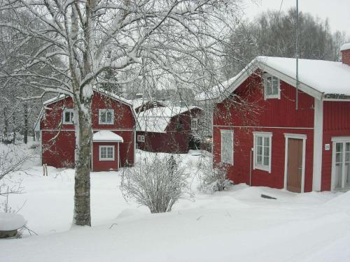 Portaan Nahkurinverstas talvella