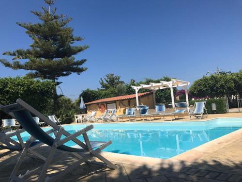 Piscina di Hotel La Fattoria Sul Mare o nelle vicinanze