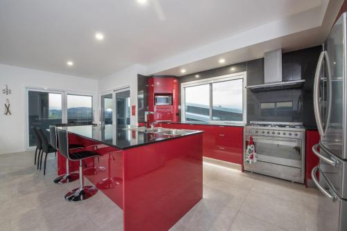 A kitchen or kitchenette at Stratton Summit 4- Modern, sophisticated style with lake and mountain views